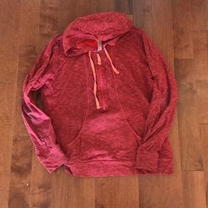 Lucy zip up pullover